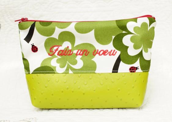 pochette verte porte-bonheur
